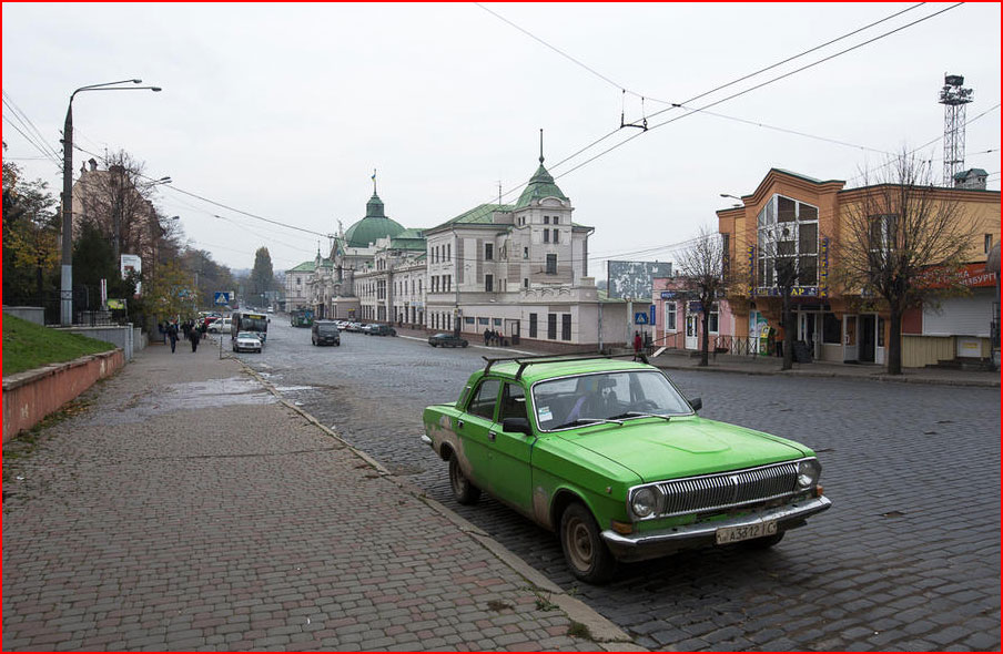 Осень в Черновцах  (гей блюсик 9899)