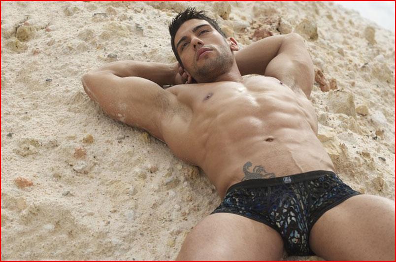 Гей модель Salvador Pozo  (гей блюсик 9999)