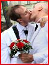 Поцелуй хором  (гей фото, блюсик 10200)