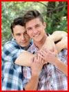 Влюблённая пара  (гей фото, блюсик 13200)