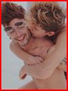 Весёлые парни  (гей фото, блюсик 16129)