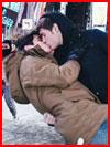 Горячий поцелуй в холодный вечер  (гей фото, блюсик 17276)