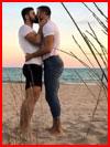 Влюблённые на пляже  (гей фото, блюсик 17509)