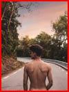 Голый на дороге  (гей фото, блюсик 17665)
