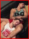 Хорошо лежат  (гей фото, блюсик 17714)