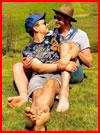 Вместе весну встречают  (гей фото, блюсик 19316)