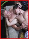 Лежали двое на диване  (гей фото, блюсик 20209)