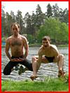 Летом на речке  (гей фото, блюсик 2468)