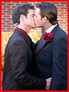 Свадебный поцелуй  (гей фото, блюсик 9900)